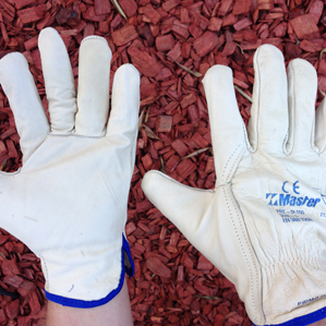 The Gardening Riggers Gloves, a perfect Australian Made gardening gift from Garden Tools Australia